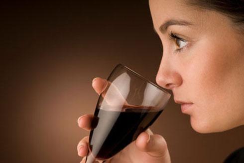 Uống rượu vang mỗi ngày giúp giảm cân